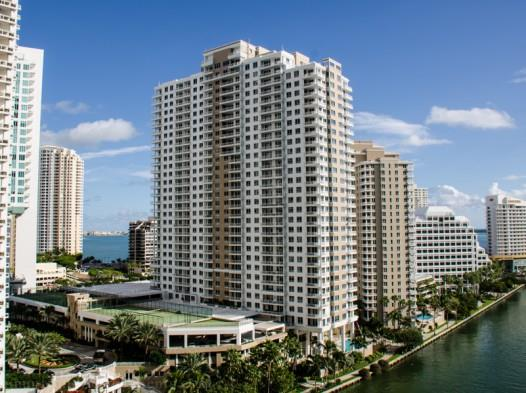 Miami, Courts at Brickell Key