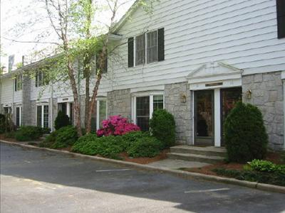 Townegate, 136 Peachtree Memorial Dr #1