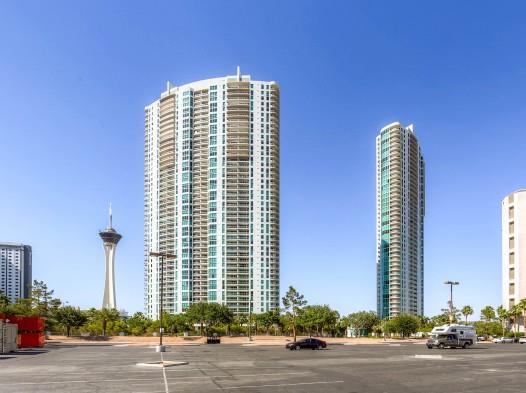 Turnberry Towers East