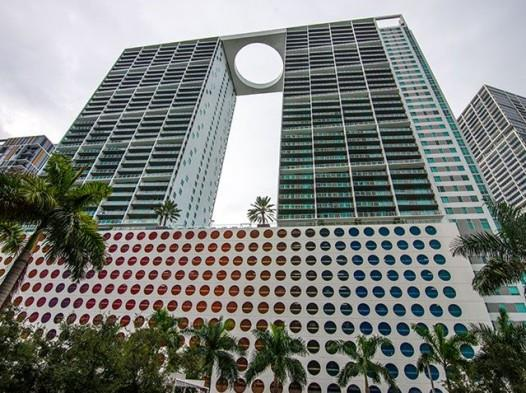 500 Brickell - West